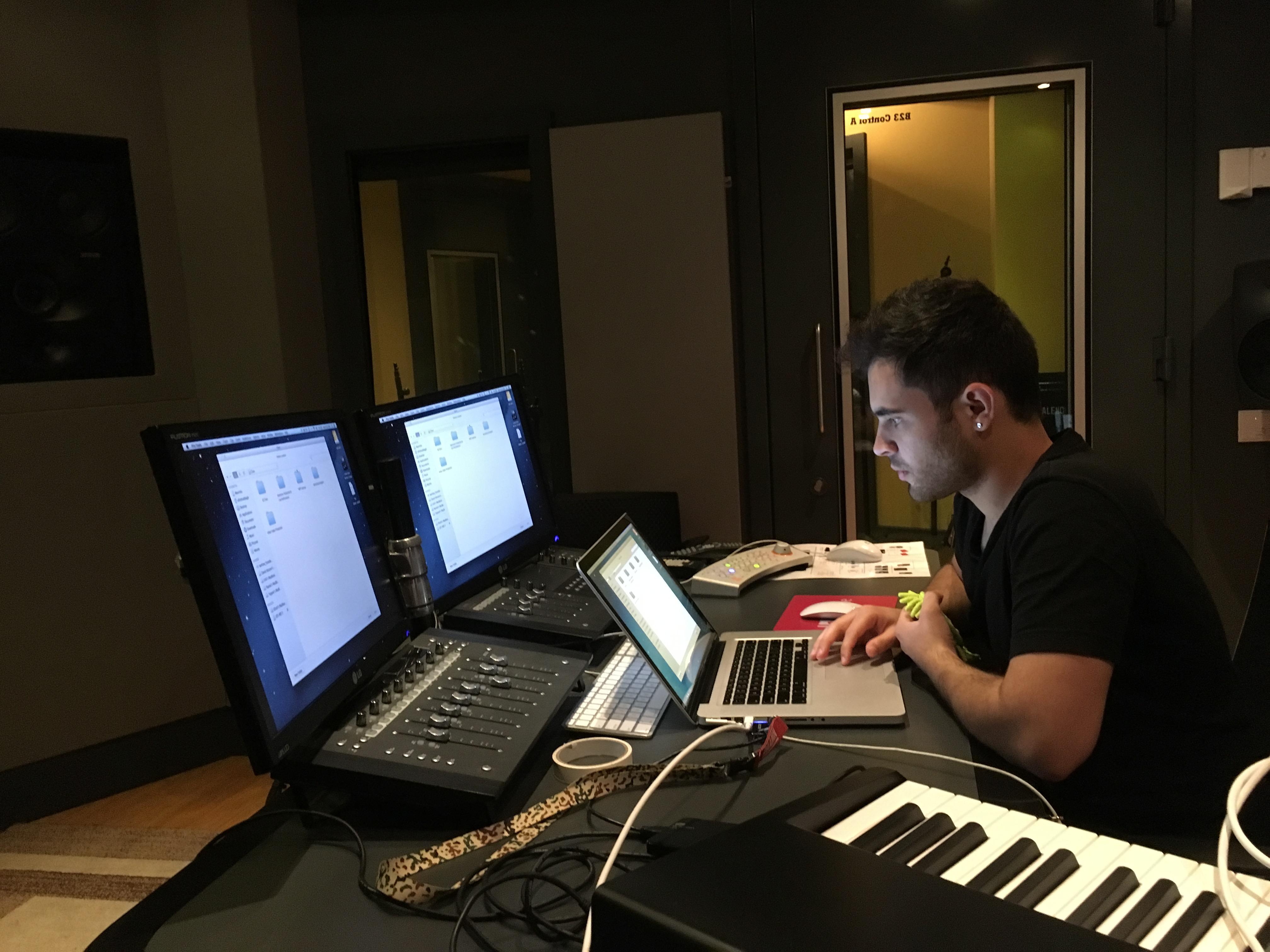 DJ Ell Studio A