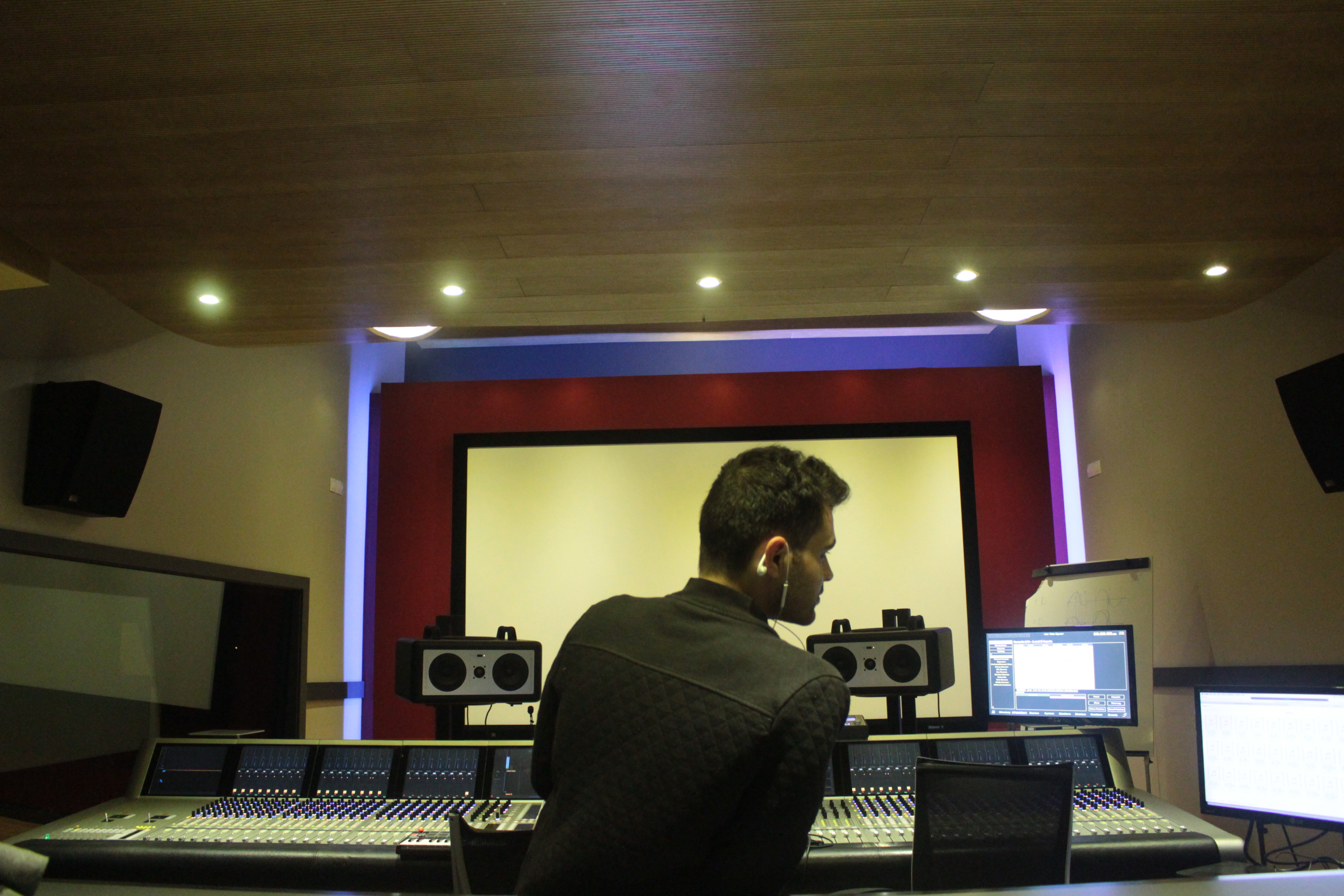 DJ Ell Valencia Recording Studio - ThatDJEll.com - photo#45