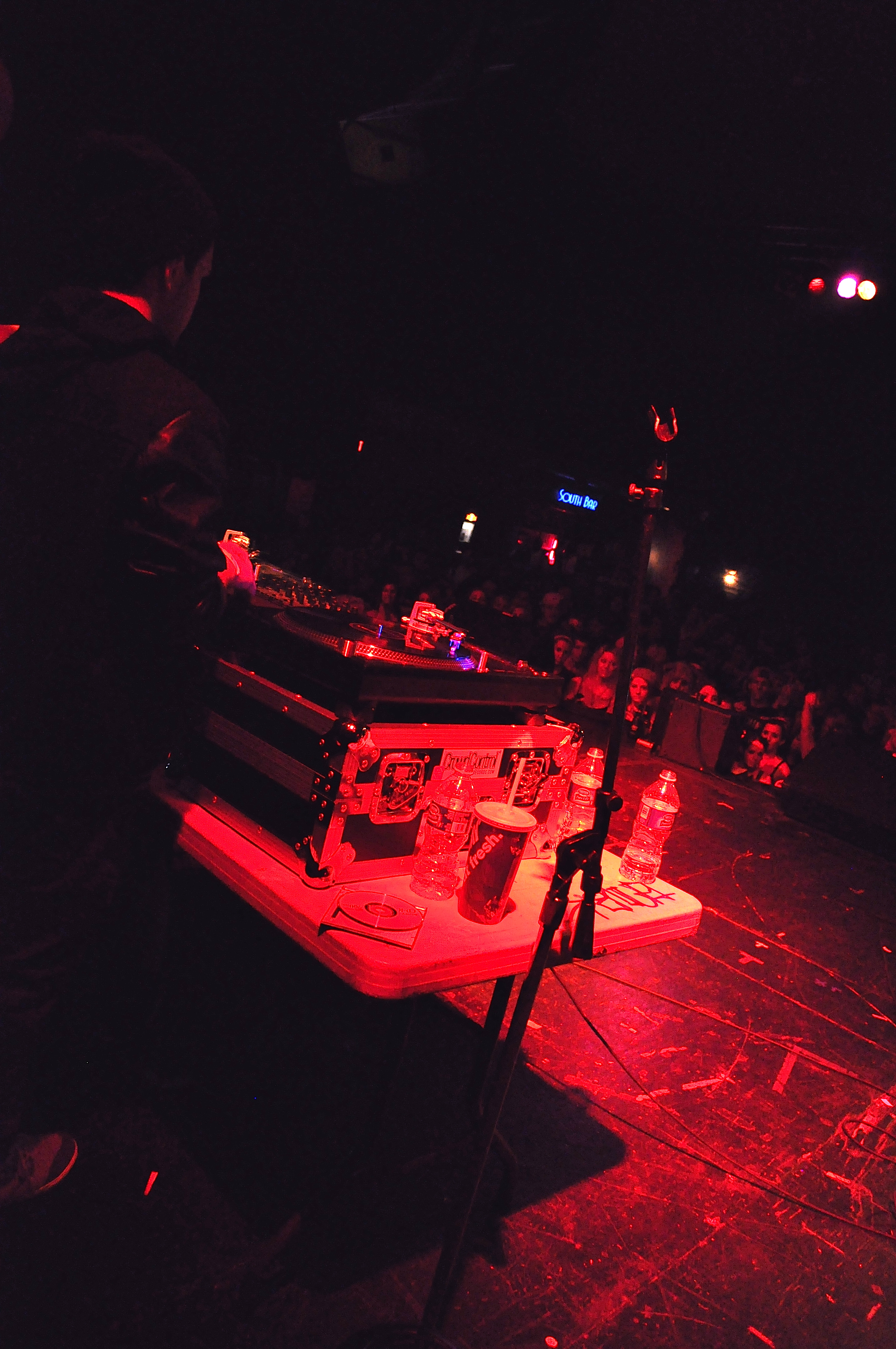 DJ Ell and Machine Gun Kelly at Majestic, That DJ Ell, DJ Ell, DJ Ell, That DJ Ell, MGK, MGK Majestic Theatre MGK D.S.B. 1