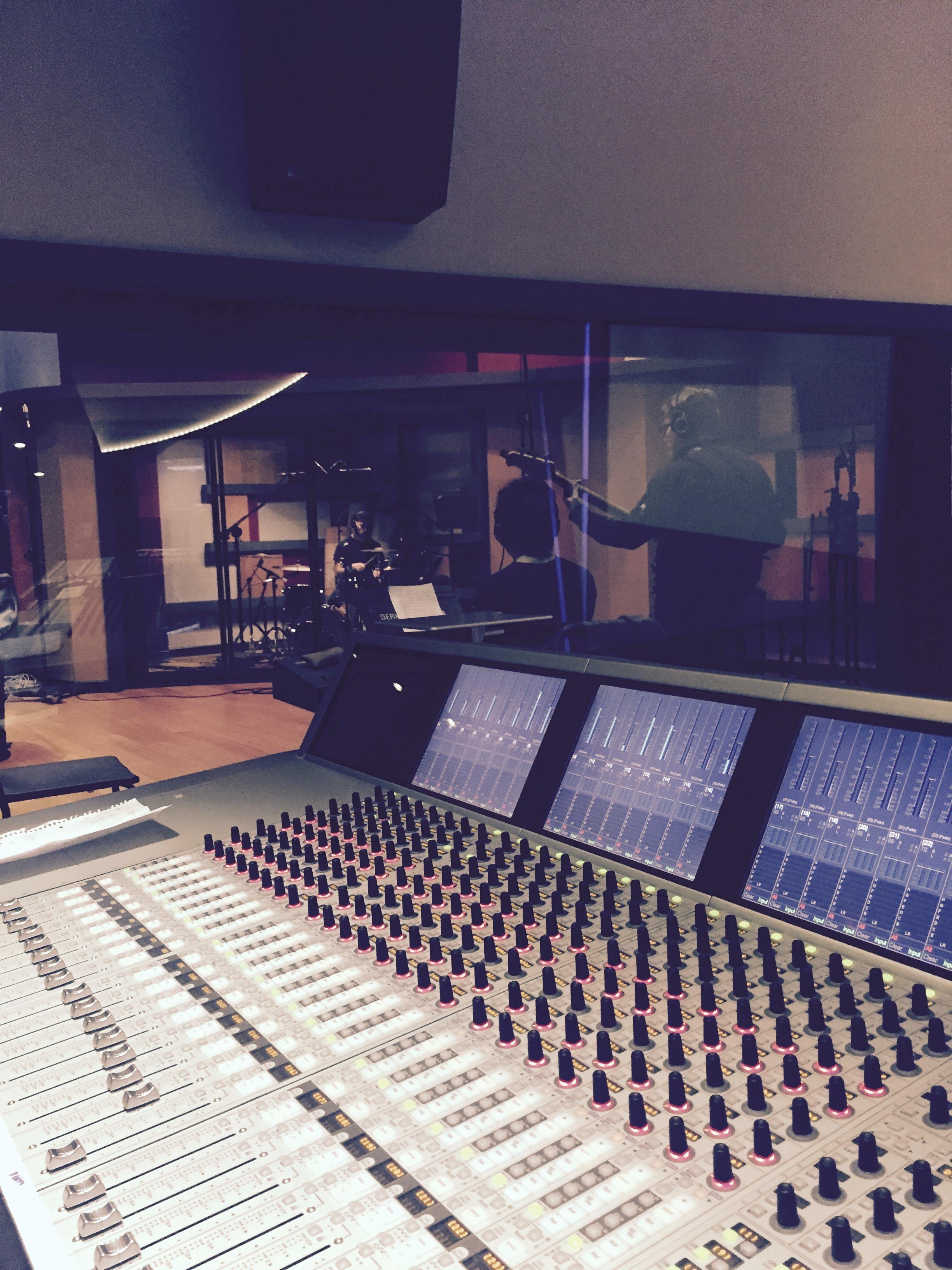 DJ Ell AKSS Studio