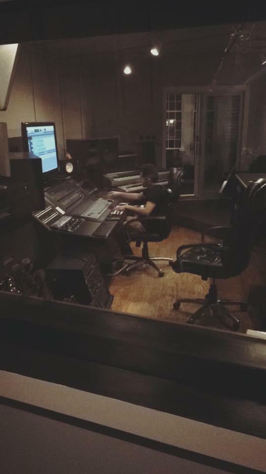 DJ Ell Elliott Sabbagh Cybersound Studio