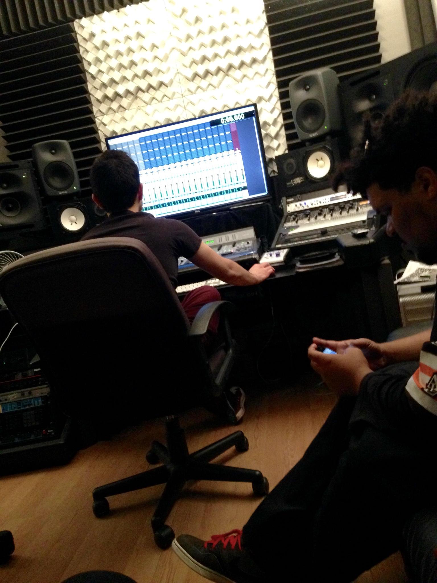 DJ Ell Elliott Sabbagh Studio B Cybersound Studio